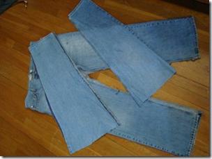 как сшить детскую юбку из старых джинс.