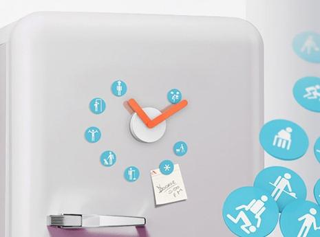 Идея часов с магнитами на холодильник