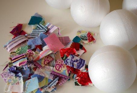 Как сделать небьющиеся новогодние игрушки
