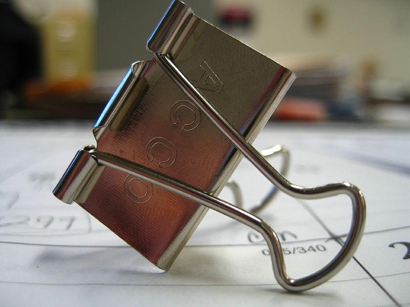 800px-Binder_clip
