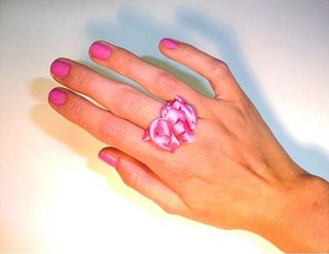 Как сделать кольцо из атласной ленты.