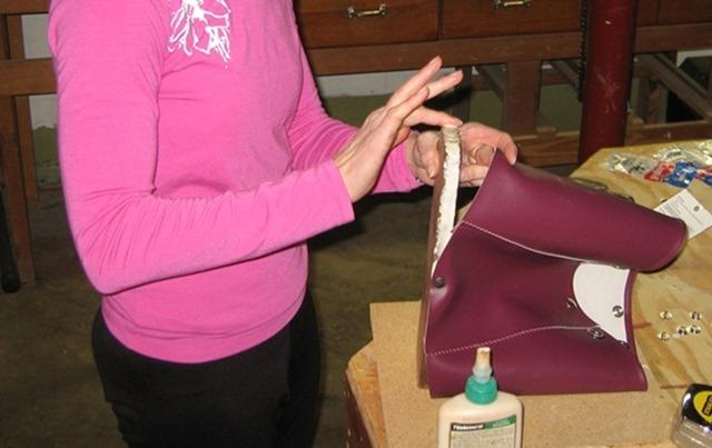 как сшить маленькую сумку из лоскутков ткани