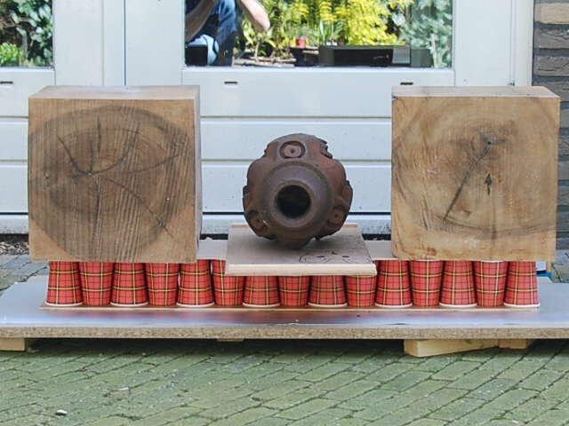 Как сделать прочную конструкцию из непрочного материала – стаканчики для кофе