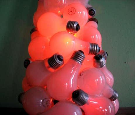 Как сделать новогоднюю елку из отработавших лампочек