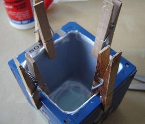 Как сделать цветочный горшок из дискет