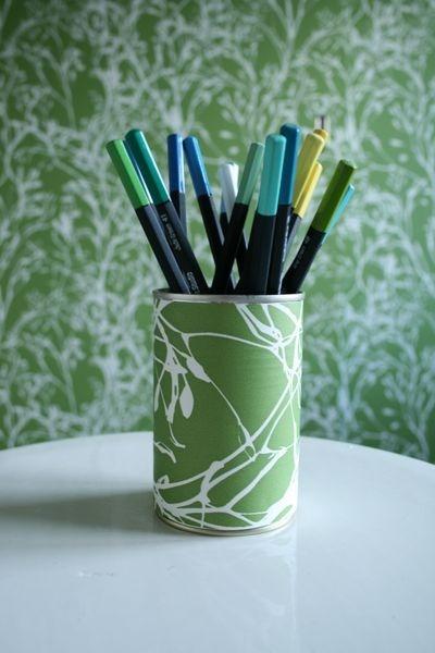 Как сделать оригинальный стаканчик для карандашей