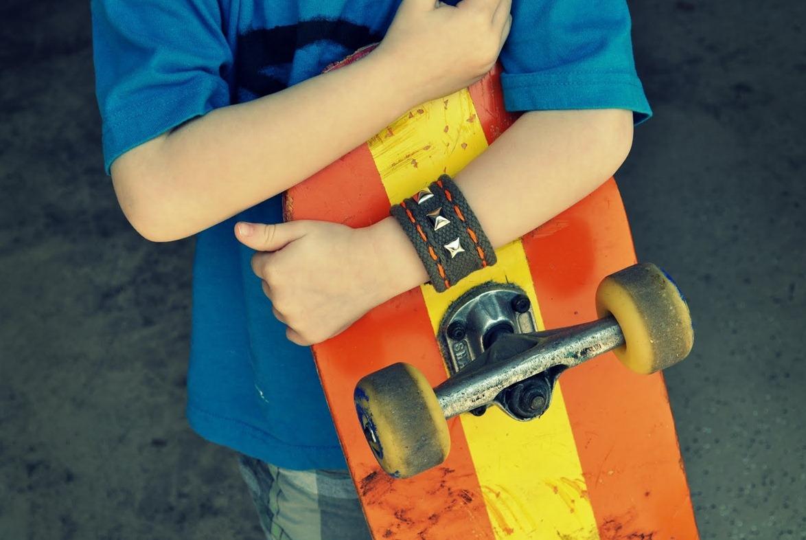 Браслет мальчику своими руками фото
