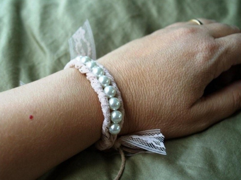Как сделать браслет из льна и жемчуга