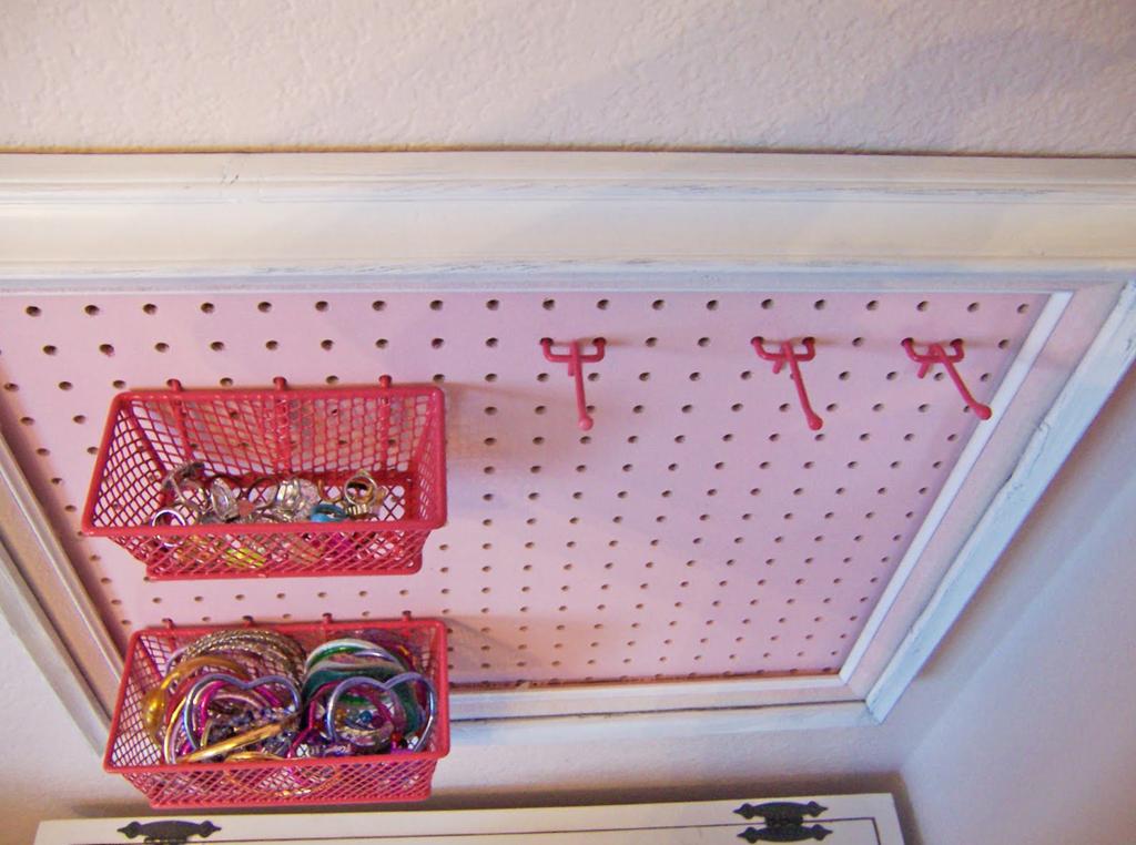 Как сделать органайзер для небольших украшений.