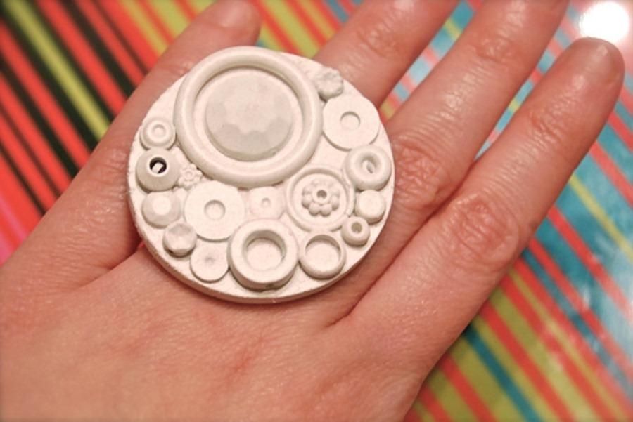 Как сделать кольцо из мусора