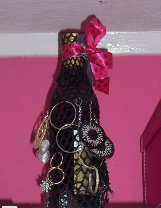 Как сделать органайзер для украшений из бутылки