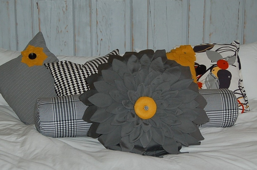 how to sew a pillow, a dahlia flower