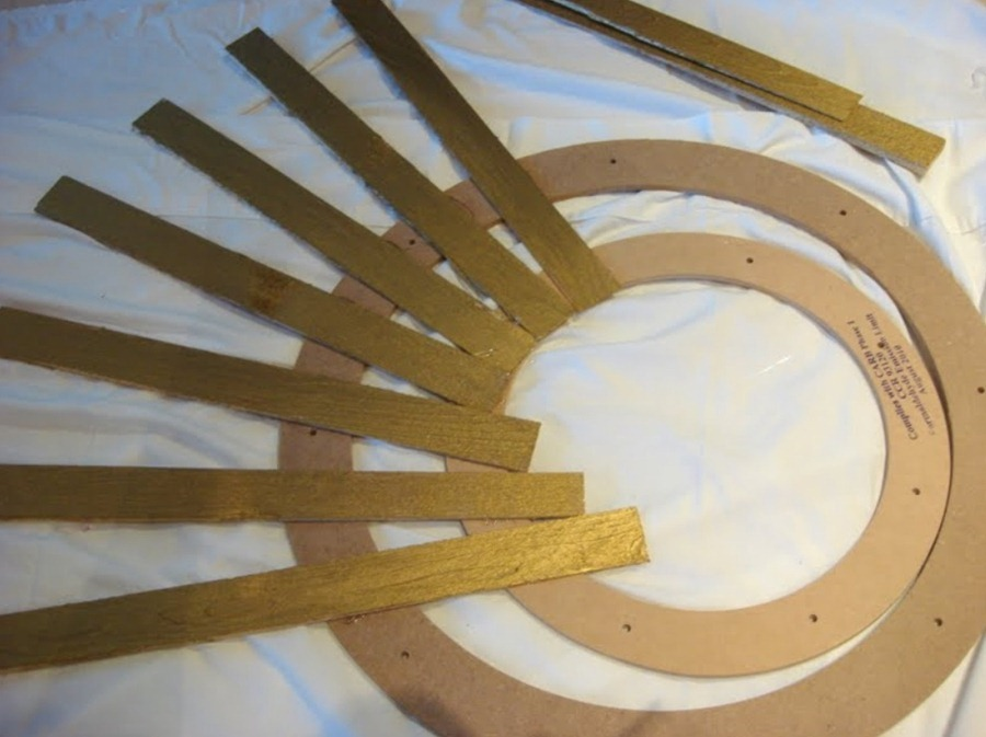 декор стены с помощью деревянных реек
