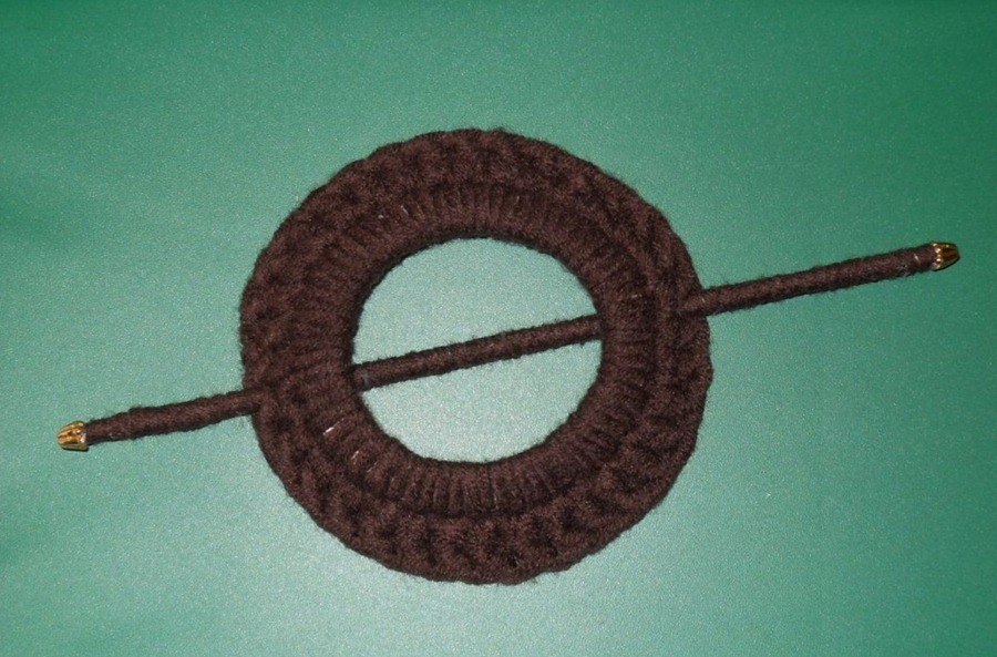 How to make a pin for the knitwear