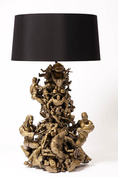 Лампа из игрушек