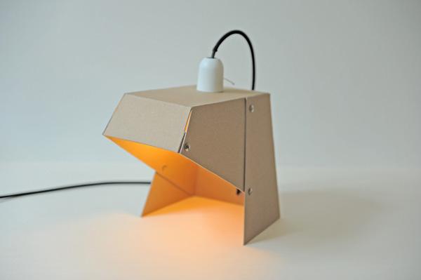 Настольная лампа из картона