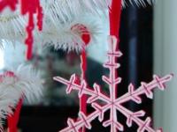 Как сделать снежинки из фетра