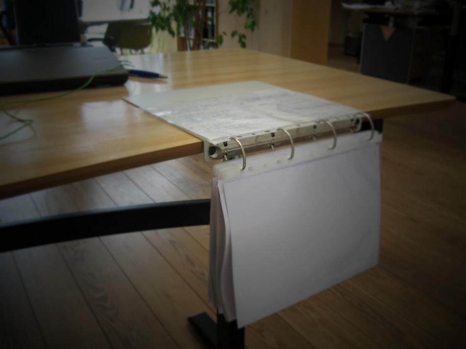 Как сделать переносной настольный органайзер для инструкций и документов (1)