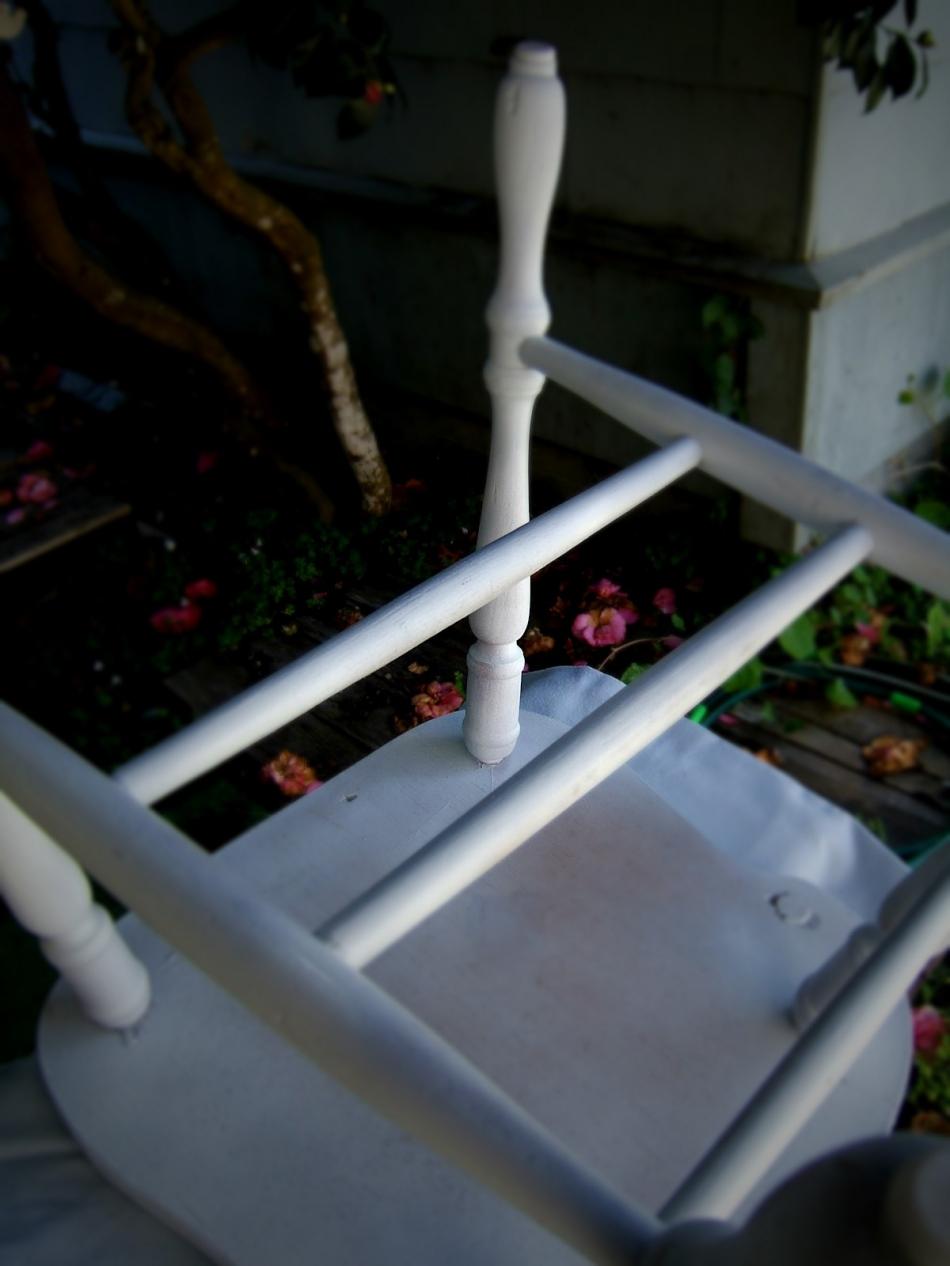 Преображение старого стула с помощью градиентной покраски (10)