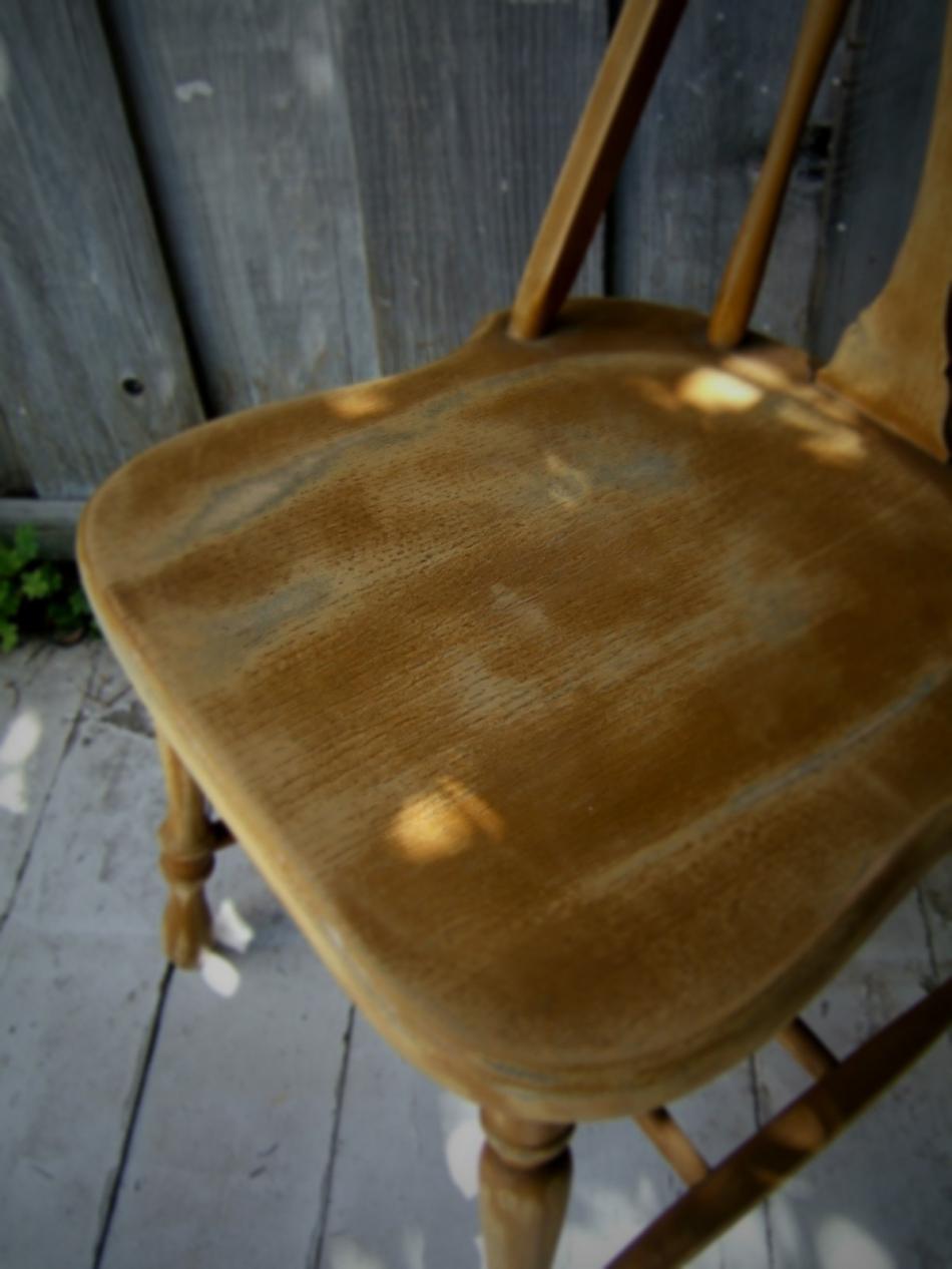 Преображение старого стула с помощью градиентной покраски (13)