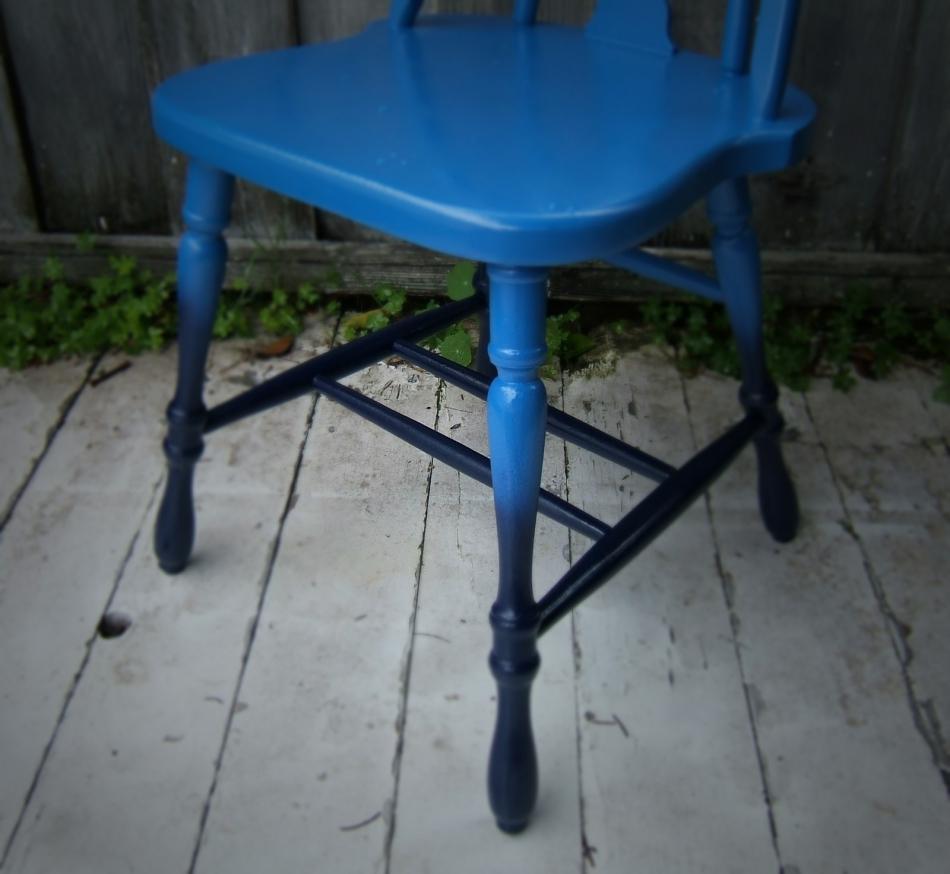 Преображение старого стула с помощью градиентной покраски (2)