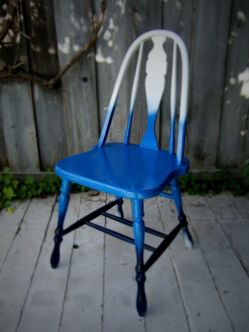Преображение старого стула с помощью градиентной покраски (3)