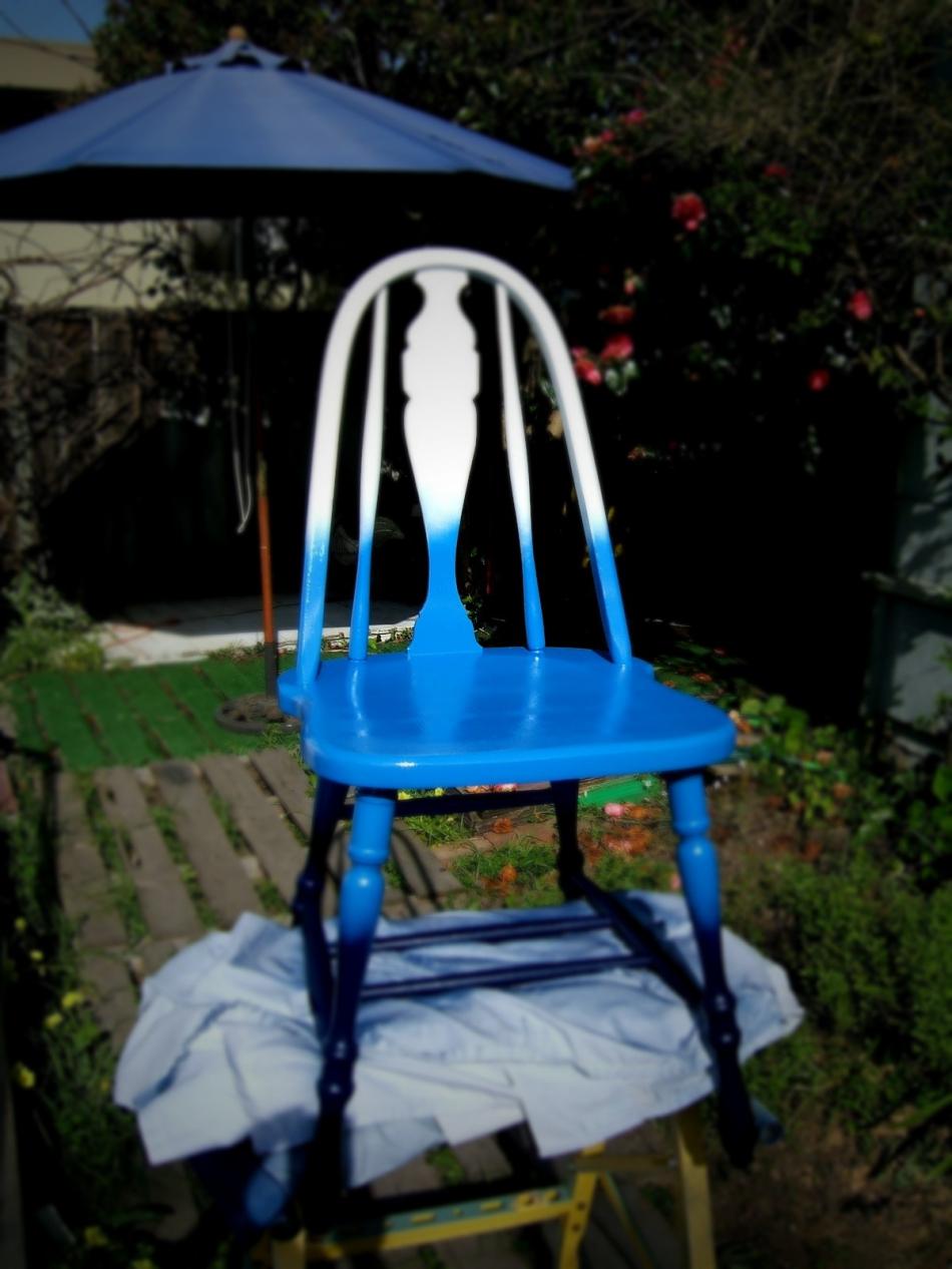 Преображение старого стула с помощью градиентной покраски (4)