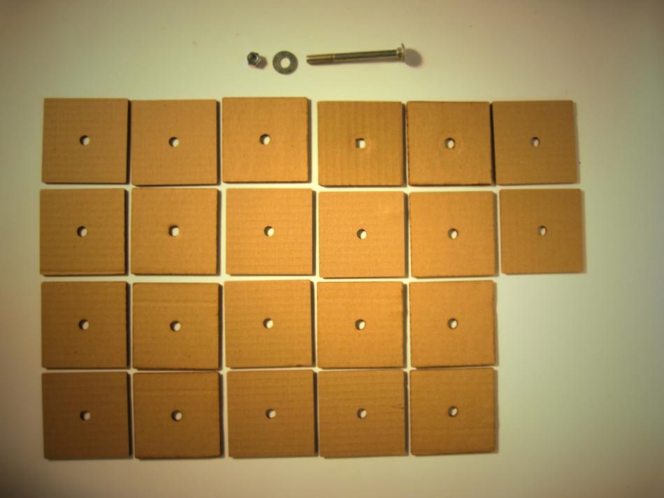 Картонный куб-органайзер для карандашей и шариковых ручек (2)