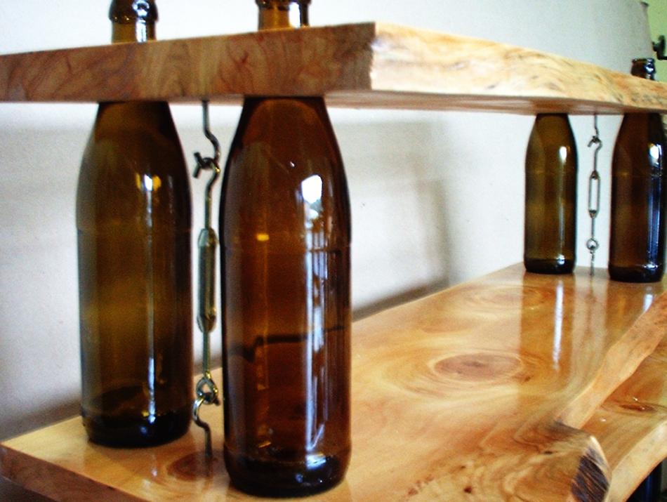 Деревянная полка из бутылок (8)