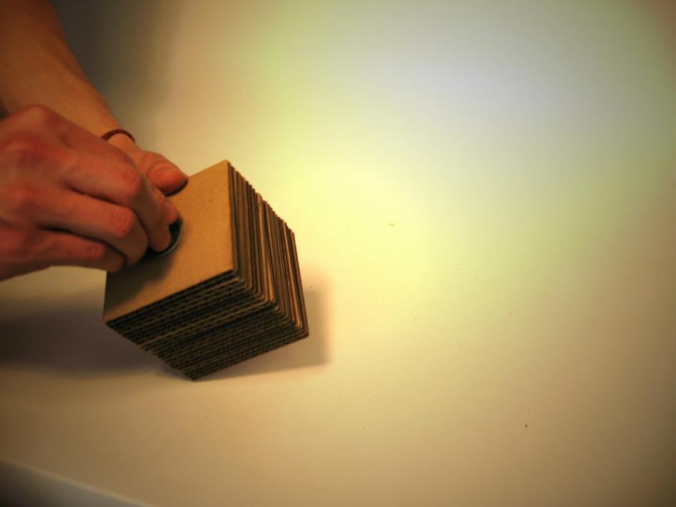 Картонный куб-органайзер для карандашей и шариковых ручек (5)