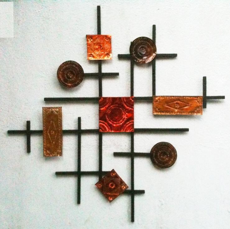 Настенное украшение из жести и дерева (1)