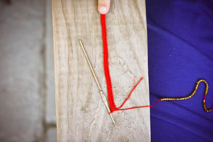 Летний вязаный браслет (7)