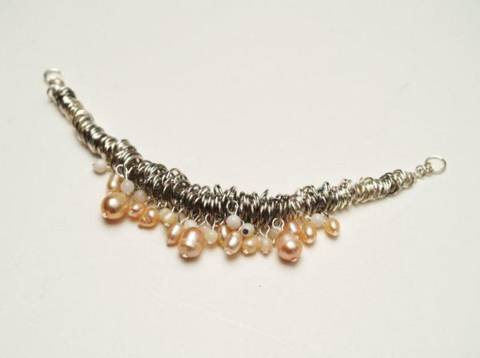 Как сделать цепочно-жемчужное украшение (9)