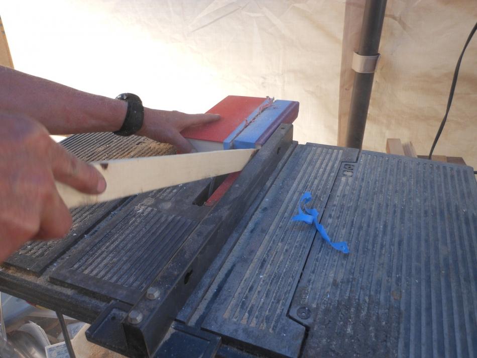 Как сделать секретный шкафчик из книг (8)