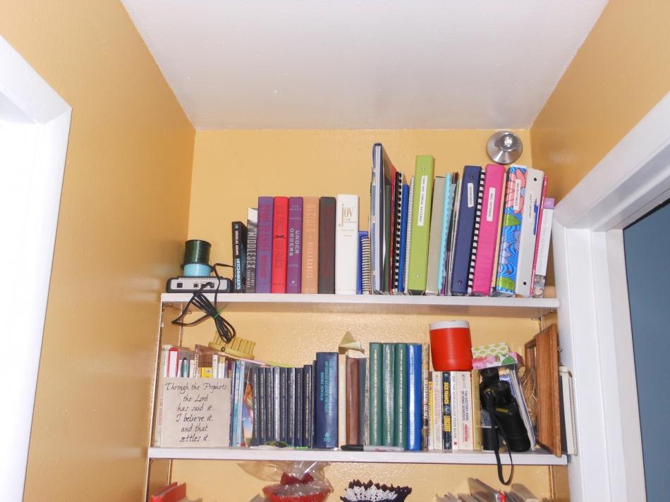 Как сделать секретный шкафчик из книг (13)