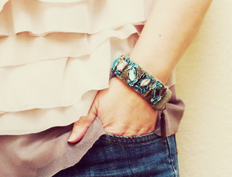Браслет на руку своими руками из ткани