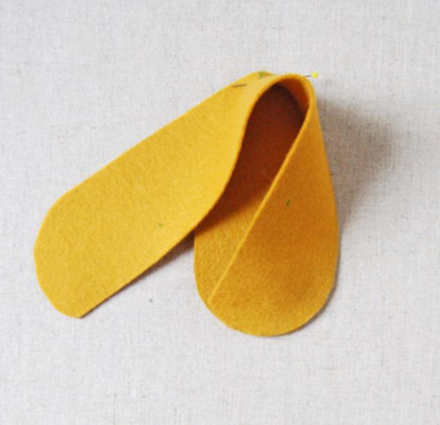 Как сшить детские домашние тапочки из войлока (11)