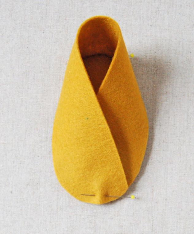 Как сшить детские домашние тапочки из войлока (10)
