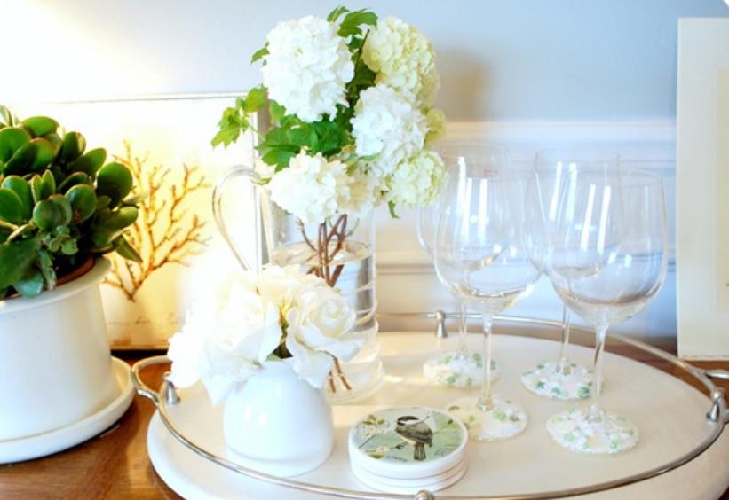 Свадебные бокалы украшенные бисером