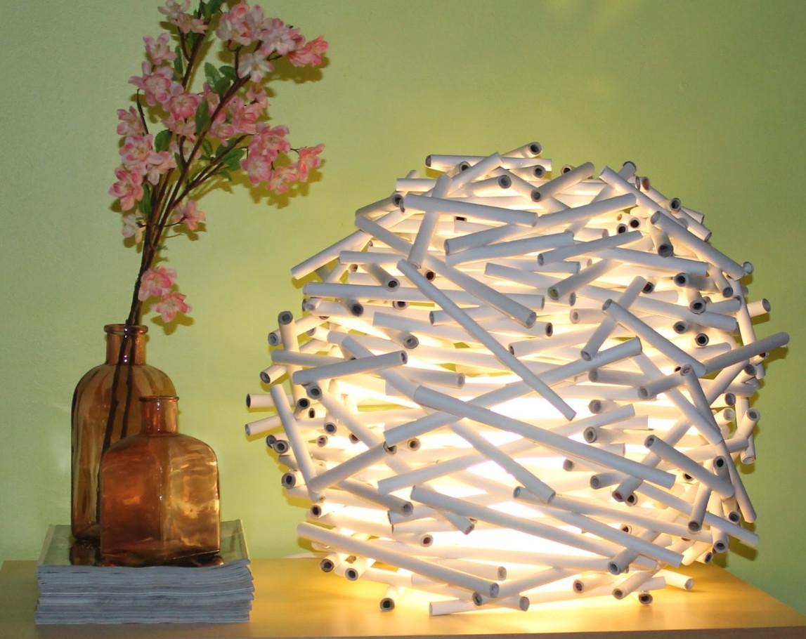 Необычный светильник из бумажных трубочек (6)
