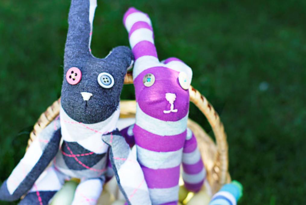 Сшить зайца из одного носка