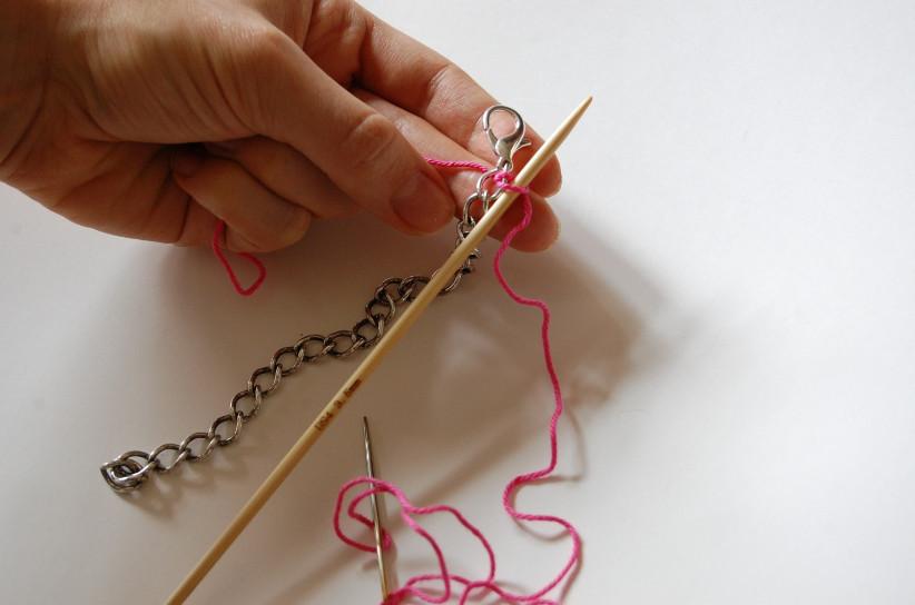 Вязаный браслет с цепочкой (14)