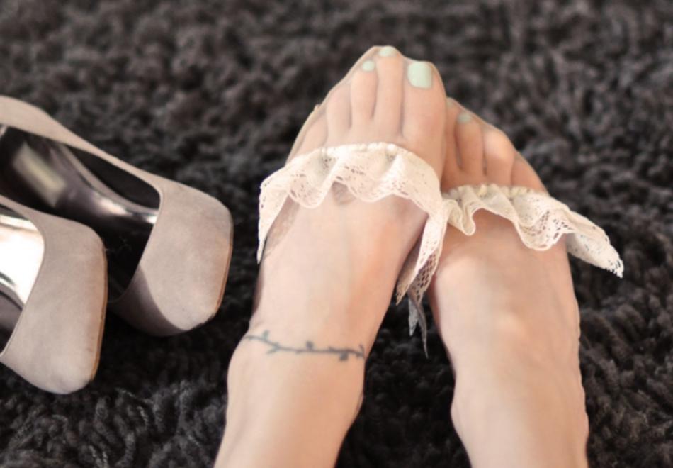 Как украсить туфли кружевом (9)