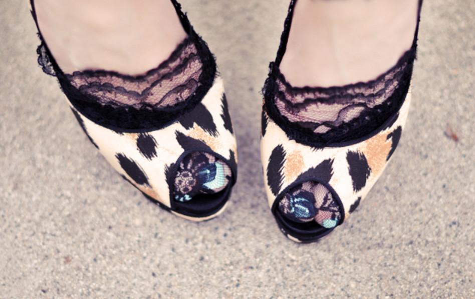Как украсить туфли кружевом (2)