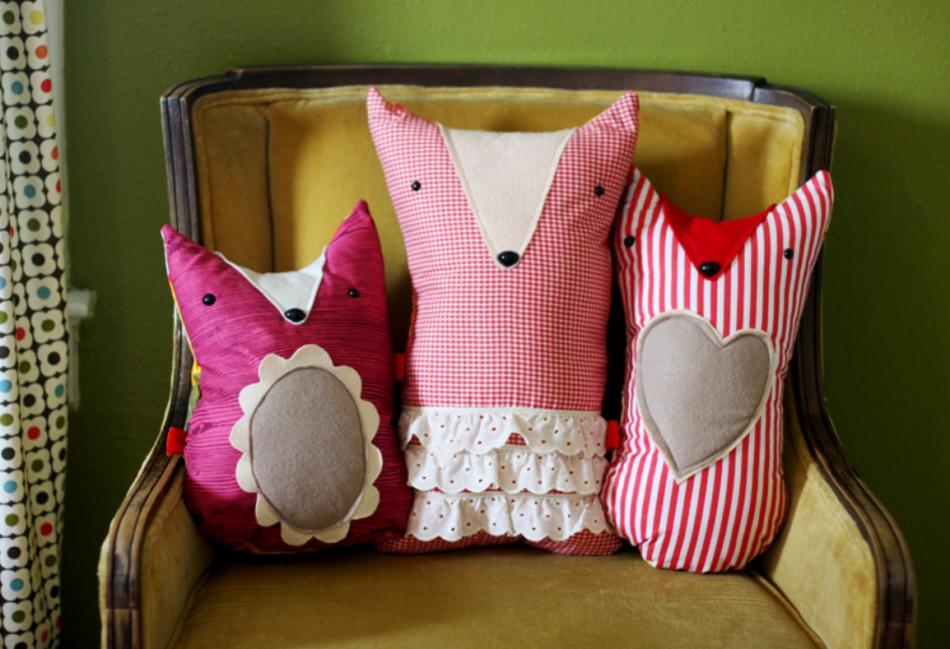 Необычные диванные подушки (6)