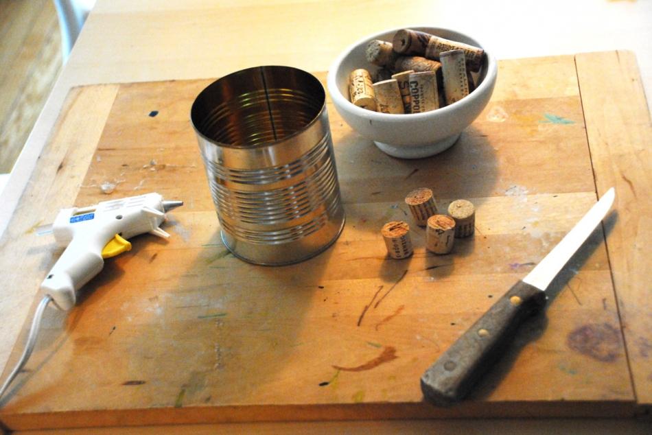Как сделать органайзер из винных пробок (5)