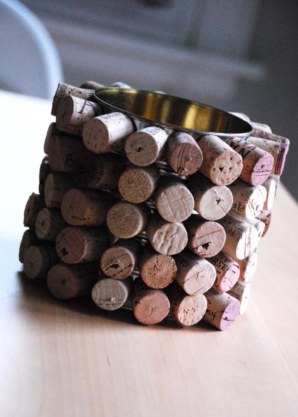 Как сделать органайзер из винных пробок (3)