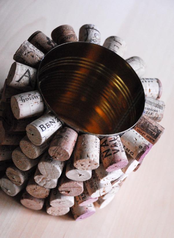 Как сделать органайзер из винных пробок (2)