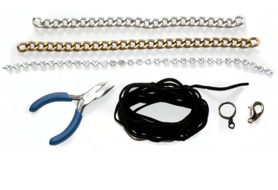 Как сделать браслет с разноцветными цепями (8)
