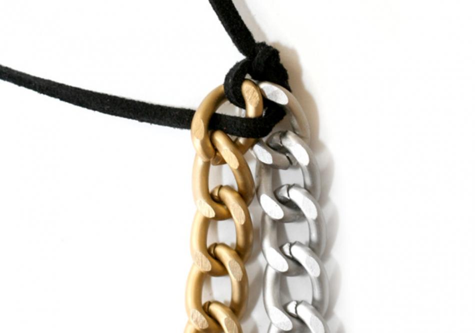 Как сделать браслет с разноцветными цепями (6)